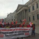 Un miler de Bombers de tot l'Estat s'han manifestat a Madrid per una regulació estatal consensuada